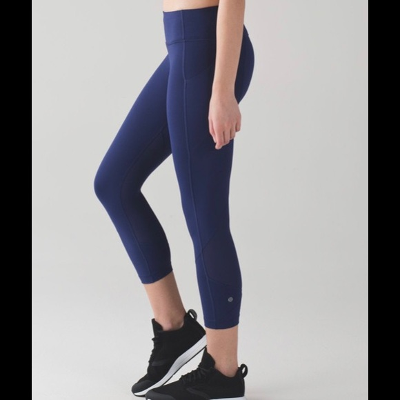 "lululemon athletica Pants - Lululemon Pace Rival Crop 22"" Blueberry Jam Sz 10"